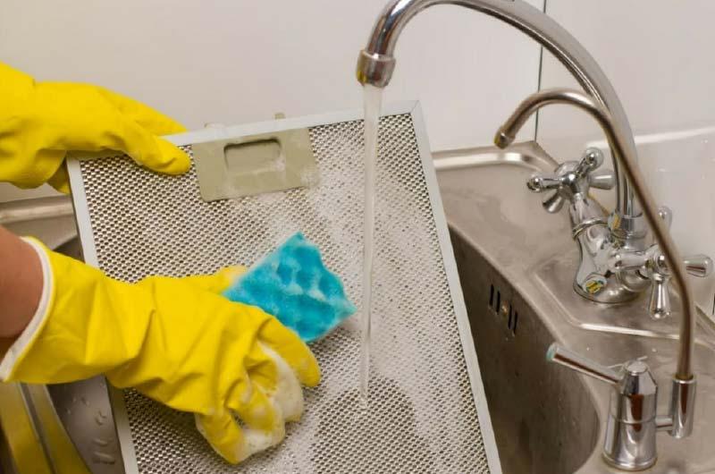 Dunstabzugshaube –  Ab in die Spülmaschine
